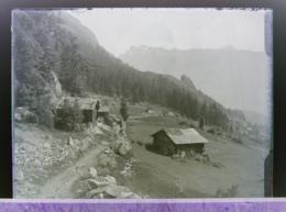 Ancienne Photographie Photo Négatif Sur Verre Le Peutex Salvan 1922 Près Gietroz Chamonix Finhaut Vallorcine Argentière. - Glasdias