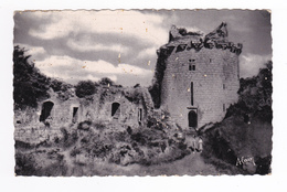 22 Tonquédec N°10 Le Château Seigneurs De Penthièvre Postée à Lannion En 1951 Couple Sur Le Chemin - Tonquédec