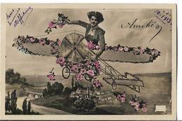 CPA Glacée D' AMITIES  (60 Ou 95)  -  Femme Dans Un Avion Fleuri Envoyant Ses Amitiés Depuis Buttes De Rosne //  TBE - Holidays & Celebrations