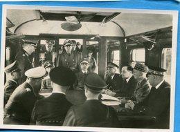 Guerre 39-45- 1940-armistice-les Plénipotentiaires Allemands Et Français  Dans Le Wagon- - Weltkrieg 1939-45