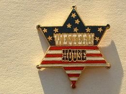 PIN'S WESTERN HOUSE - DRAPEAU AMERICAIN EN ETOILE -  EMAIL - Pin's