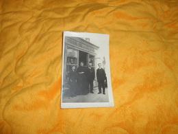 CARTE POSTALE PHOTO ANCIENNE NON CIRCULEE DATE ?.../ CHAPELLERIE ?...COIFFEUR LIEU NON SITUE.. - Commerce