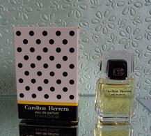 "Miniature De Parfum ""CAROLINE HERRERA ""   Eau De Parfum 4 Ml Avec Sa Boîte - Miniatures Modernes (à Partir De 1961)"