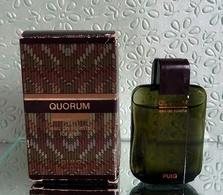 """Miniature De Parfum """"QUORUM """" De PUIG  Eau De Toilette 7ml Avec Sa Boîte - Miniatures Hommes (avec Boite)"""