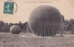 AU CAMP DE CHALONS       LE BALLON DE SIEGE AU PARC - Montgolfières