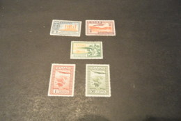 K18746 - Stamps Mint Hinged   - Greece - 1933 - Airmail - - Nuevos