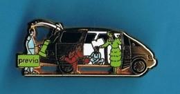 1 PIN'S  //  ** TOYOTA / PREVIA ** . (Toyota Arthus Bertrand Paris) - Toyota