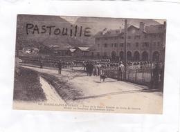 148  BOURG-SAINT-MAURICE.  -  Place De La Gare - Remise De Croix De Guerre Devant Un Bataillon De Chasseurs Alpins - Bourg Saint Maurice