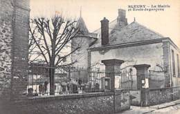 28 - BELURY : La Mairie Et L'Ecole Des Garçons - CPA - Eure Et Loire - Autres Communes
