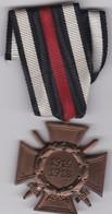 Medaille Allemande WWI Croix D'Hindenburg Ehrenkreuz Für Frontkämpfer 1914-1918 Avec Livret Militaire - Germany