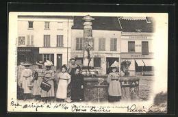 CPA Viels Maisons, Vue De La Fontaine - Non Classés