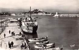 06 - ANTIBES - Le Port Et Le Fort Carré - Autres