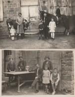 X24- 50) DUCEY (MANCHE) ENSEMBLE DE 2 CARTES PHOTOS PATARIN - FERME AVEC FAMILLE CHEVAL ET VACHE - 2 SCANS - Ducey
