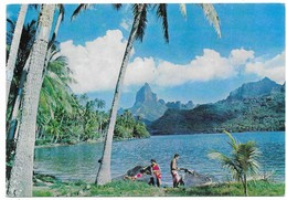 Escale A Tahiti Baie De Cook à Bora Bora Publicité Amora - French Polynesia