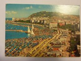 """Cartolina Viaggiata """"CATTOLICA La Spiaggia"""" 1972 - Italy"""