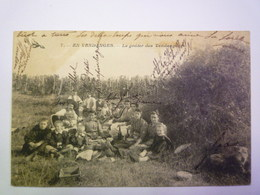 GP 2019 - 31   POUILLY  (Nièvre)  :  EN VENDANGES  -  Le Goûter Des  VENDANGEURS   1906   XXX - France