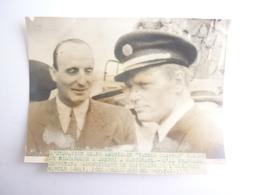 PHOTO L' HYDRAVION GEANT AMERICAIN YANKEE CLIPPER L' AS FRANCAIS DETROYAT ACCUELLANT LE CAPITAINE HAROLD GRAY - Autres