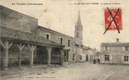 85 - Vendée - Saint Michel En L'Hrem - La Place De La Mairie - C 3960 - Saint Michel En L'Herm