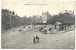 CP 242 CPA De Vierzon (18) Place De La Croix-Blanche - Vierzon