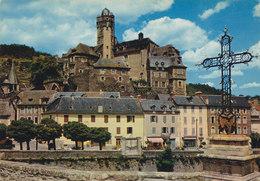12 Estaing Le Château Vu De La Croix Du Pont (2 Scans) - Andere Gemeenten