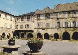 12 Sauveterre De Rouergue Les Arcades (2 Scans) - Andere Gemeenten