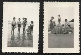 Enfants Graçon Fille Jeux De Plage Maillot De Bain - 2 Photos De Famille Marquée Erquy 1948 Côtes-d'Armor Bretagne - Personnes Anonymes