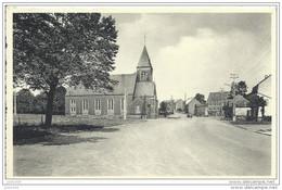 LIBRAMONT ..-- Place Communale Et Ancienne Eglise . - Libramont-Chevigny