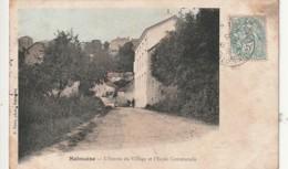 ***  21  ***   SALMAISE L'entrée Du Village Et L'école Communale - Petites Salissures - - Francia
