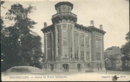 BRUXELLES :  Dans Le Parc Léopold - Bossen, Parken, Tuinen