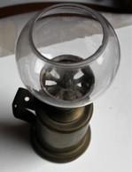 Ancienne Lampe à Huile Pigeon - Lamps
