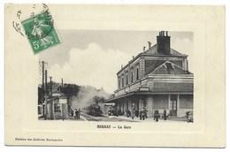 27-BERNAY-La Gare...  Animé  Train - Bernay
