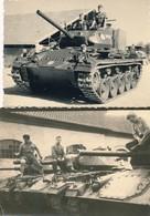 I47 - N° 55 - MILITARIA - Guerre D'Algérie - En Attente Sur Les Chars - Lot De 2 Photos - War, Military