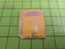 1418c Pin's Pins / Beau Et Rare : ALIMENTATION / LIVRE DE CUISINE LA CUISINIERE PROVENCALE JP REBOUL - Food