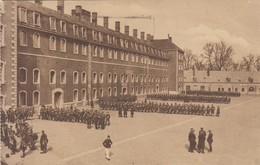 Liège - 12e Régiment De Ligne - Rassemblement Pour L'exercice - Militaria