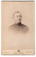 Fotografie Paul Fehmer, Neustrelitz & Neubrandenburg, Portrait Soldat Mit Seitenscheitel - Personnes Anonymes