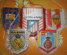 5 Banderines Fanions ESPAÑA - ATLETICO - REAL - BARCELONA - VALENCIA - FEDERACION ESPAÑOLA - Football