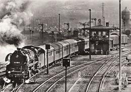 Dampflokomotiven Im Einsatz Baureihe 41 Bei Der Ausfahrt Nach Saalfeld - Bahnhöfe Mit Zügen
