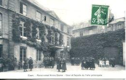 N°2651 A -cpa Caen -pensionnat Notre Dame -cour Et Façade De L'aile Principale- - Caen