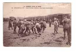 62 Aire Sur La Lys La Guerre Dans Le Nord Avec L' Armée Indienne Une Mule Recalcitrante Chargement Train - Aire Sur La Lys