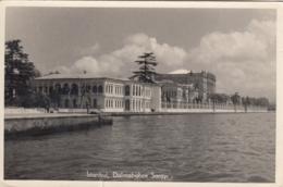 AK - INSTANBUL - Dolmabahee Sarayı 1958 - Türkei