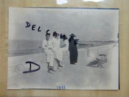 17 CHATELAILLON - FAMILLE BOURGEOISE EN BORD DE PLAGE 1922 PHOTO - Châtelaillon-Plage