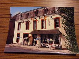 CP 10*15-VIERVILLE SUR MER HOTEL RESTAURANT DE LA PLACE - France