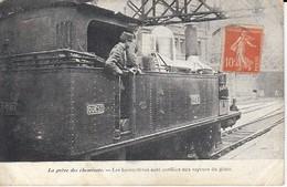 La Grève Des Cheminots Les Locomotives Sont Confiées Au Xspaurs Du Génie Léger Pli Inférieur Droit - Grèves