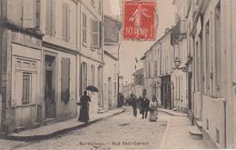CPA Barbezieux - Rue Sadi-Carnot (avec Animation) - France