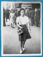 PHOTO Photographie - Une Femme En Juillet 1945 * Mode - Fotos