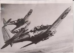 DOUGLAS SBD DAUNTLESS 1943 WWII JAPANESE   JAPAN PACIFIC      20 * 15 Cm DIVE BOMBERS - Guerra, Militares