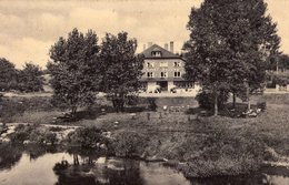 """La Cuisine ( Pr.Lux)  ( 119 )  Hotel  """" Jacoby """" Avec Des Transats Dans Le Jardin - Florenville"""