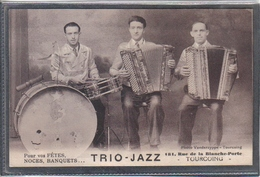 Carte Postale 59. Tourcoing  Orchestre Trio-Jazz  Accordéon  Très Beau Plan - Tourcoing