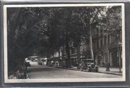 Carte Postale 83. Draguignan  Boulevard Clémenceau  Voitures Anciennes  Très Beau Plan - Draguignan