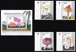 NEVIS 1991 FUNGHI - St.Kitts E Nevis ( 1983-...)